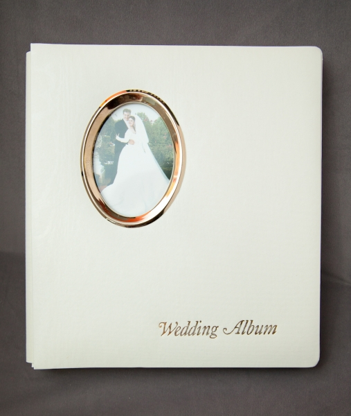 8×10 and 5×7 Wedding Album with Oval Photo Frame
